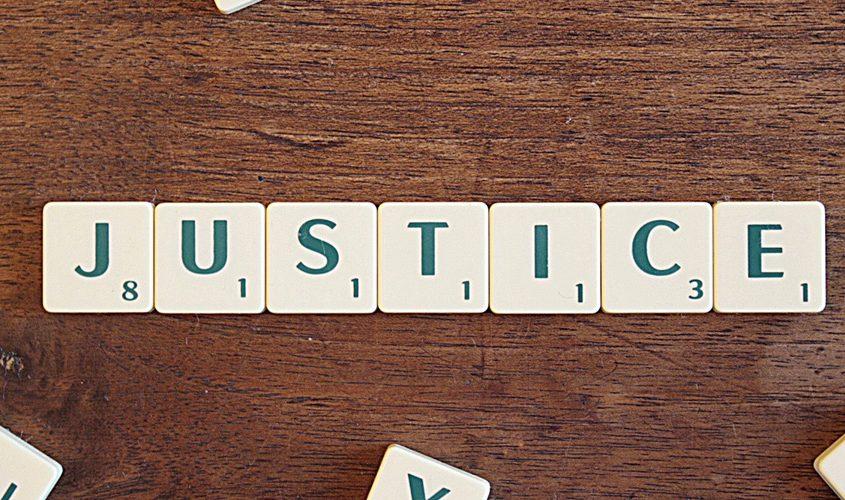Galactus Traduzioni esegue Traduzioni Giurate per la Giustizia Penale e Civile con Traduttori Consulenti Tecnici dei principali Tribunali, asseverazione e legalizzazione dei documenti tradotti.